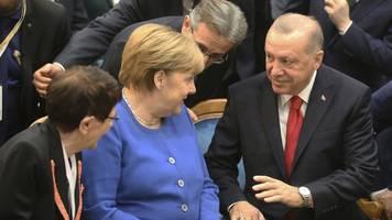 deutsch-türkische beziehungen - erdogan empfängt merkel betont herzlich: großes glück