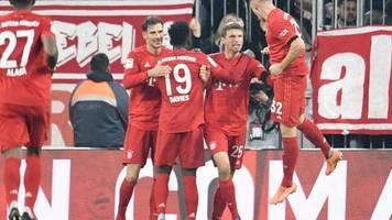 Bundesliga: Sieg gegen Schalke: Bayern nutzen Leipzig-Patzer meisterlich