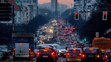 SPD will mehr ÖPNV: aber keinen Krieg gegen Autofahrer