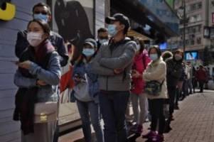 Kampf gegen den Coronavirus: China kappt zahlreiche Überlandverbindungen
