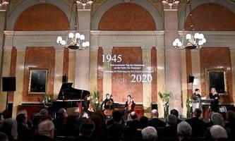 Auschwitz-Gedenken im Parlament: Mitmensch, nicht Gegenmensch sein