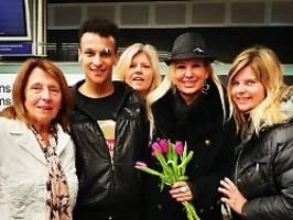 fan-auflauf in frankfurt: die dschungel-stars sind wieder da