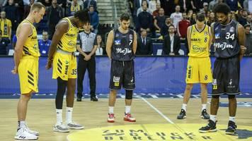 Trauer in den USA und Deutschland: Ich liebe dich, großer Bruder: LeBron James nimmt bewegend Abschied von Kobe Bryant