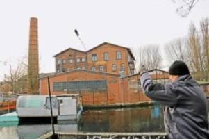zufallsfund in wilhelmsburg: magnetangler zieht tresor an land