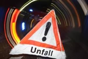unfälle: straßenglätte führt zu unfall auf a7