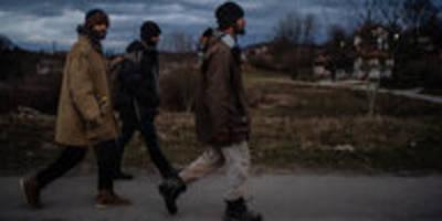gewalt gegen flüchtlinge: grenz-erfahrungen
