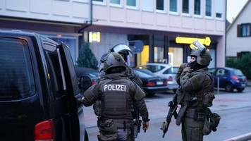 Tatverdächtiger festgenommen: Blutiger Streit auf offener Straße in Plochingen