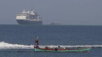 vietnam blockiert aidavita: ende der odyssee? kreuzfahrtschiff westerdam in kambodscha