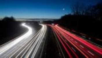 Geschwindigkeitsbegrenzung: Kein Tempolimit auf Autobahnen