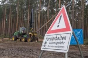 notfälle: tesla einen schritt weiter: rodungen in grünheide gestartet