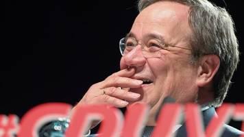 AKK plant Einzelgespräche - CDU-Vorsitz: Merz prescht vor - Brinkhaus fordert Demut