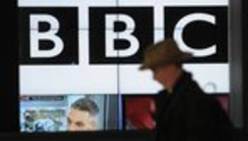 boris johnson: britische regierung plant offenbar drastischen umbau der bbc