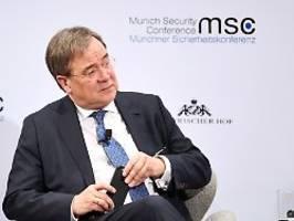 Aufwärmen für CDU-Vorsitz?: Laschet kritisiert Merkels Europapolitik