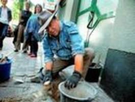 24 neue stolpersteine werden verlegt zum gedenken an holocaust-opfer