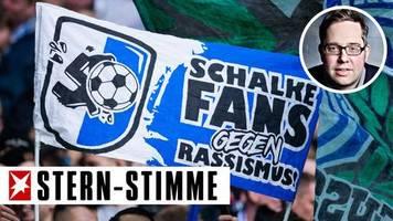 Philipp Köster: Kabinenpredigt: Tolle Fans, hilflose Klubs – Vereine und Verbände müssen im Kampf gegen Rassismus mehr tun