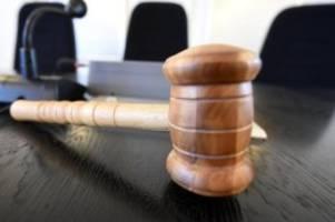 Prozesse: Messerattacke auf Begleiter der Ex-Freundin: Urteil erwartet