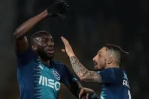 FC Porto: Platz verlassen: Rassismus-Opfer wehrt sich gegen Mitspieler