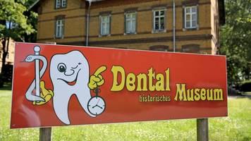 Museum für historische Zahnmedizin erweitert seine Sammlung