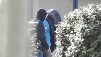 Bericht: Fünfter Mann in Terrorzelle war Polizei-Informant