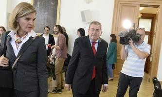 Mit Fußfessel am Landestheater: Neuer Job für Salzburgs Ex-Bürgermeister Schaden