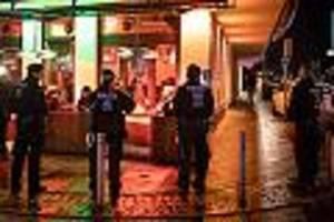 """nach razzia 12 verdächtige in haft - geplantes moschee-massaker? das wissen wir über die rechtsextreme """"gruppe s."""""""