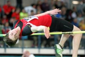 Leichtathletik: Junger Hittfelder springt in die deutsche Spitze