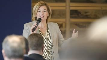 Agrarministerin Klöckner verteidigt strengere Düngeregeln
