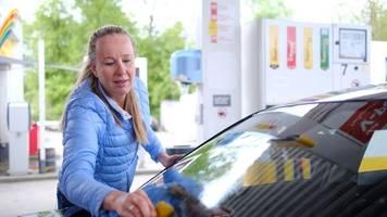 Putzen und ausmisten: So wird das Auto fit für den Frühling