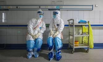 das virus im päckchen: kann das coronavirus per post aus china kommen? [premium]