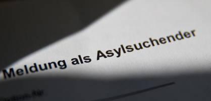 staat nimmt flüchtlingsbürgen offenbar kosten von 21,7 millionen euro ab