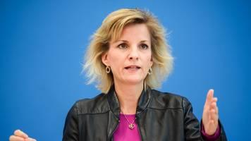 Drogenbeauftragte kritisiert Alkoholverkauf an Tankstellen