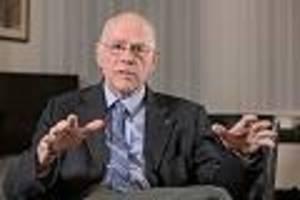 """ehemaliger bundestags-präsident  - """"hat keine Überlebensgarantie"""": lammert zeigt, warum jeder wichtig für demokratie ist"""