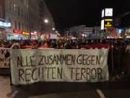 Demos gegen rechten Terror an Brandenburger Tor und Hermannplatz