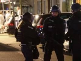 Hessen: Elf Tote nach Schüssen in Hanau, Täter hinterlässt Bekennerschreiben