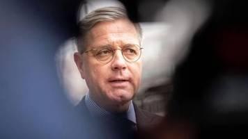 Debatte um Vorsitz: Röttgen: CDU-Sonderparteitag «besser noch im Mai»