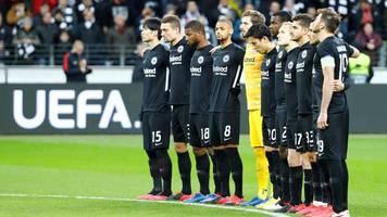 Europa League: Bei Frankfurt gegen Salzburg – Chaoten stören Schweigeminute