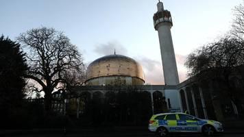 London: Messerangriff in Moschee – Muezzin niedergestochen