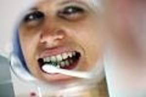 fluorose droht - zu viel fluorid kann den zahnschmelz bei kindern zerstören
