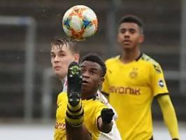 großer traum des 15-jährigen: bvb-talent moukokko stürmt für dfb-team