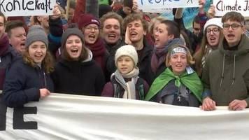Video: Tausende Teilnehmer bei den Fridays for Future in Hamburg
