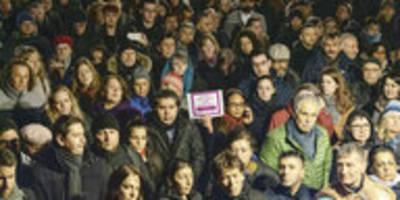 Hanau nach dem Attentat: Die Zeit der Worte ist vorbei