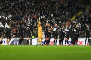 europa league: eintracht-abend der signale: nazis raus und vier tore