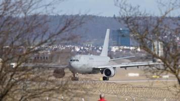 Coronavirus: Weitere deutsche China-Rückkehrer in Stuttgart gelandet