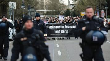 Seehofer: Terroranschlag - Nach Hanau-Anschlag: Polizei zeigt bundesweit mehr Präsenz