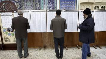 Wächterrat lehnt Kandidaten ab - Wahl im Iran: Opposition hofft auf Wahlsieg gegen Ruhani