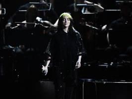 Dank 007 an die Spitze: Billie Eilish stürmt Charts mit Bond-Song