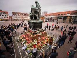 Gegen rechte Menschen: Tausende demonstrieren in Hanau