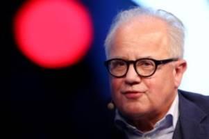 Nach Gewalttat von Hanau: DFB-Boss: Hass und Rassismus haben im Sport keine Chance