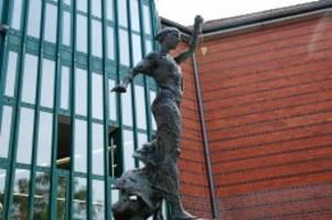 urteil: prozess in ahrensburg: 28 monate haft für serien-einbrecher