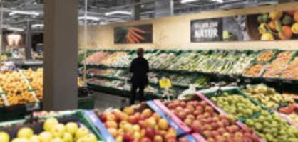 schweizer bauern ärgern sich: bund erlaubt importgemüse mit pestizid